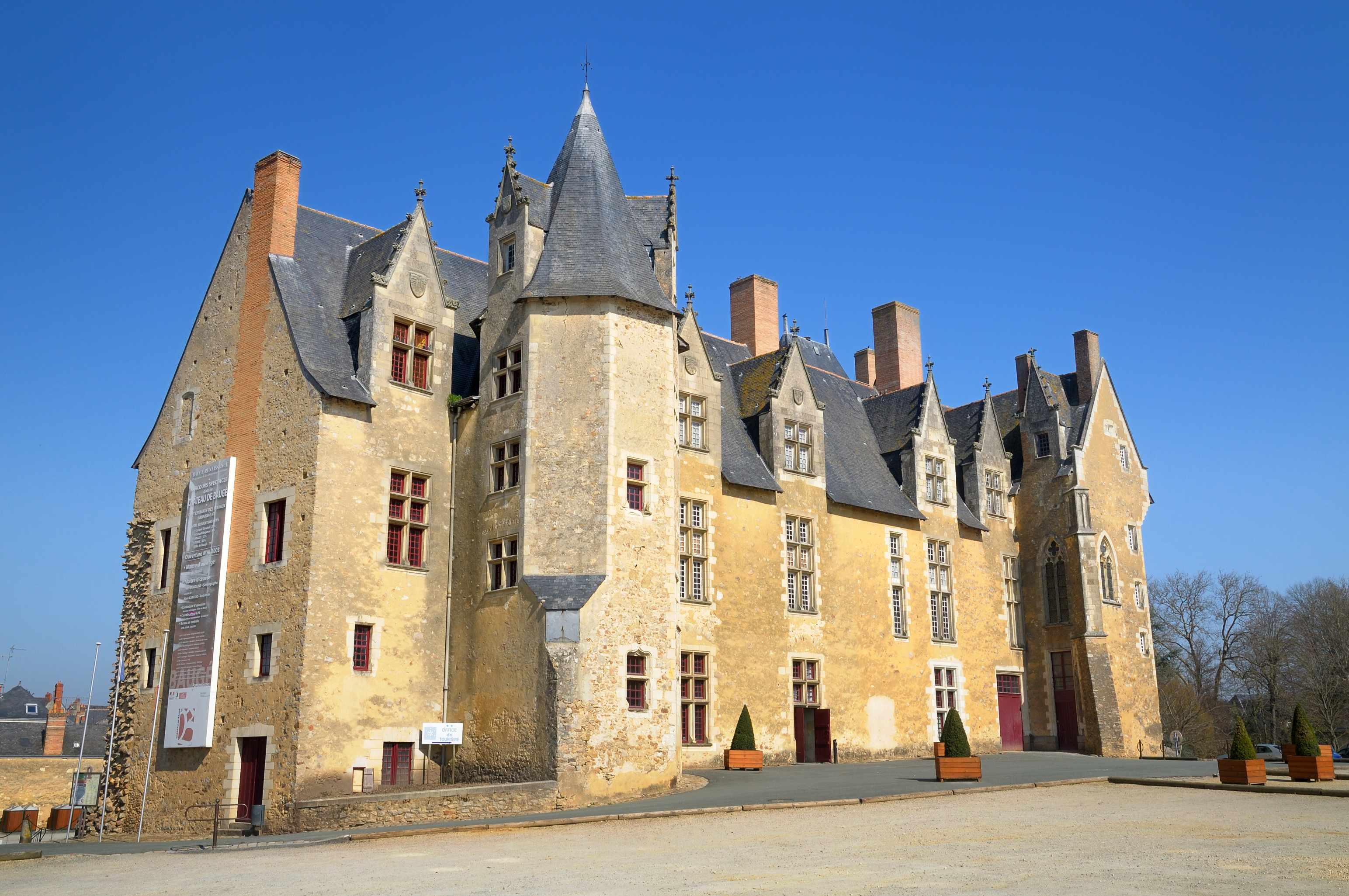 1-Chateau-de-Bauge-credit-photo-paillat--F-E-Gys.JPG